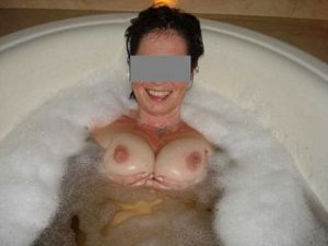 Julianne escort girls Telford
