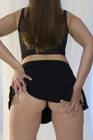 Cezarine greek independent escort in Richland, WA